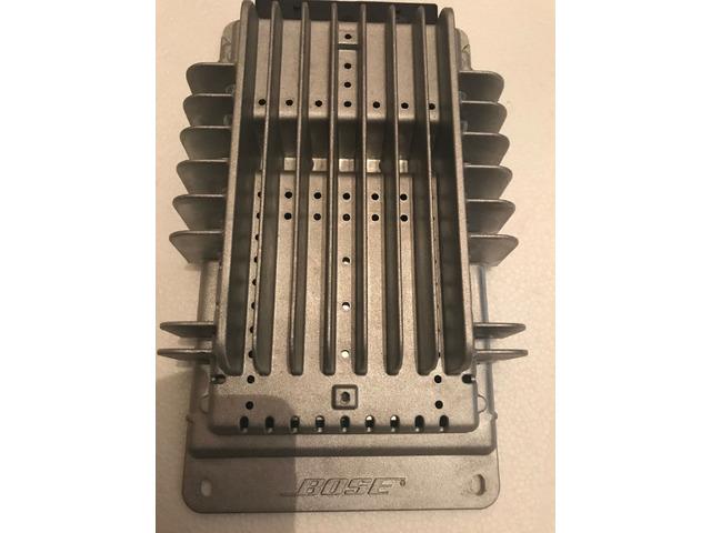 Amplificatore per auto Bose