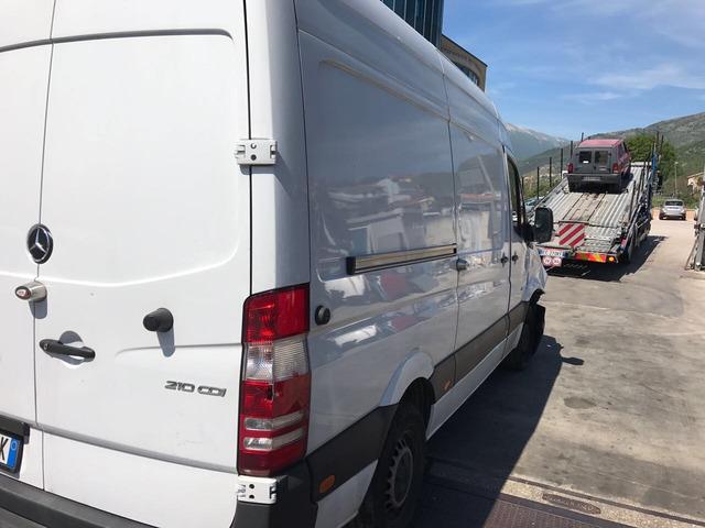 Mercedes sprinter 210cdi anno 2015 sinistrato