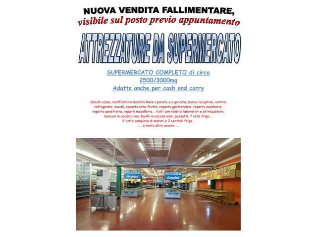Stock Attrezzature negozio supermercato completo tipo cash&carry