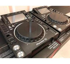 2x Pioneer CDJ-2000NXS2 e 1x DJM-900NXS2 mixer costo  €1899EUR