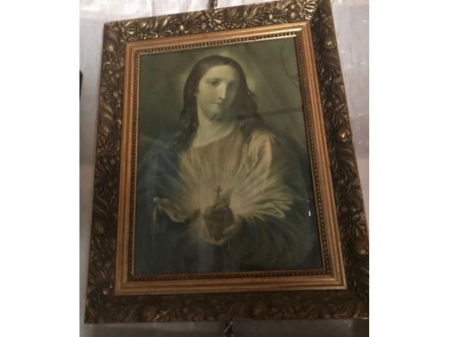 Vecchio quadro con immagine sacra