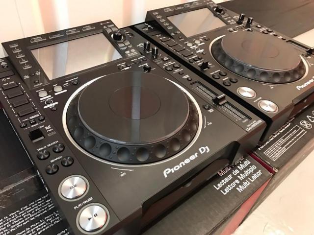 2x Pioneer CDJ-2000NXS2 + 1x DJM-900NXS2 mixer per 1899 EUR