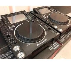 2x Pioneer CDJ-2000NXS2 e 1x DJM-900NXS2 mixer per soli 1899 EUR
