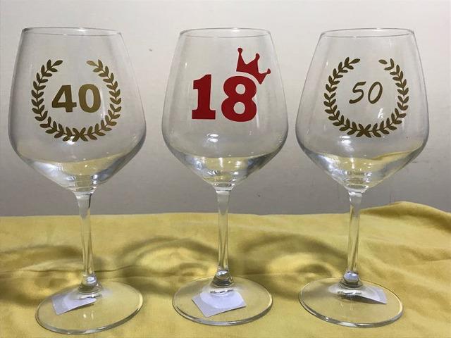 Bicchiere calice di buon compleanno