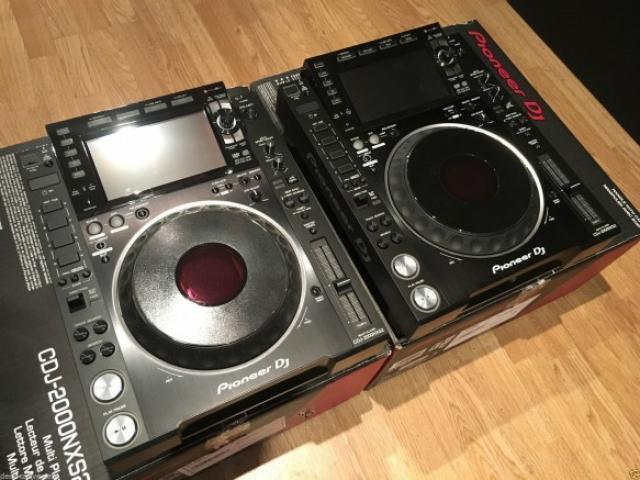 Strumenti musicali - Coppia di Pioneer Dj set 2x Cdj-2000 Nxs2 & Djm-900 Nxs2 +Hdj-2000 Mk2