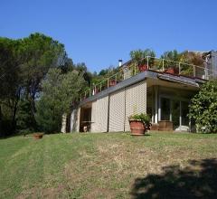 Villa moderna ed esclusiva a pochi km da lucca - c34
