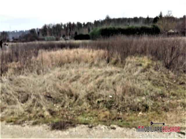 Case - Terreno agricolo pianeggiante