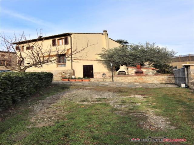 Case - Villa indipendente libera su 4 lati