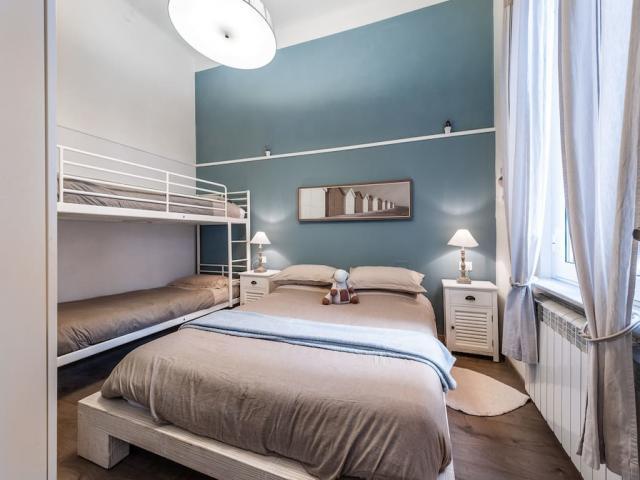 Case - Deliziosa casa viareggina con casetta di corte indipendente