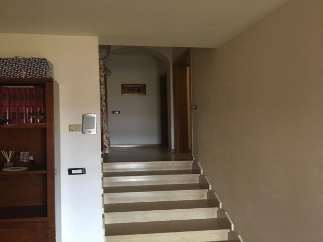 Case - Avenza appartamento ristrutturato al piano secondo