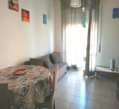 Viareggio q.re marco polo grazioso secondo piano in piccola palazzina