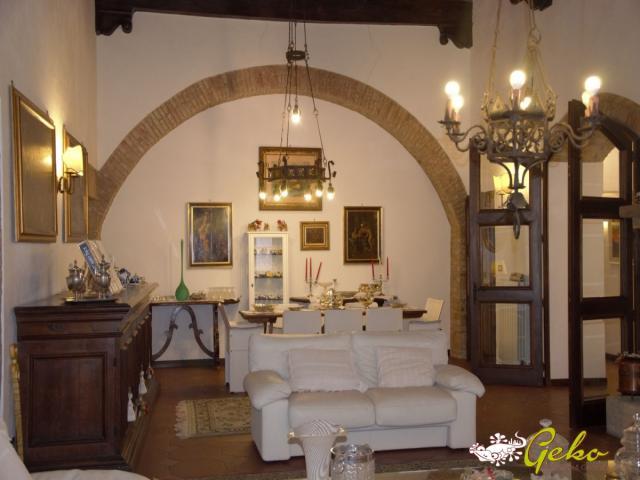 Case - Palazzo storico di pregio in centro a san gimignano