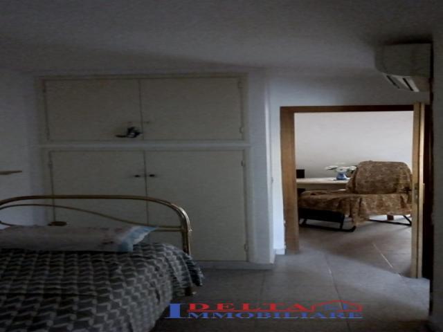 Case - Castelnuovo - bilocale con piccola corte sul retro