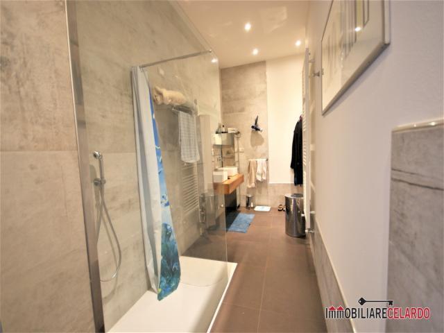 Case - Appartamento con garage in vendita a massa