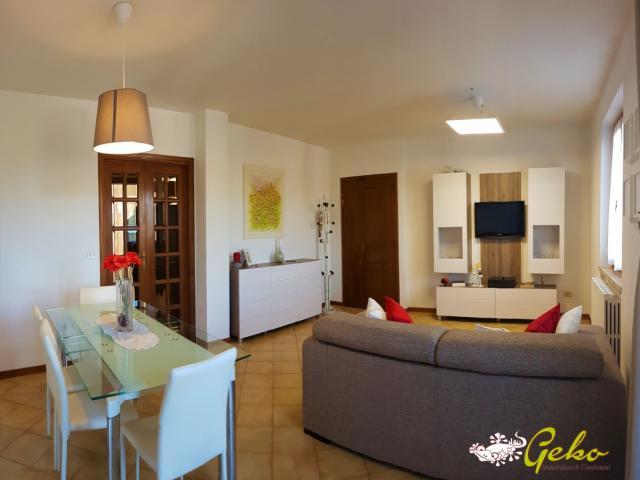 Case - Nostra esclusiva appartamento con garage e due terrazzi
