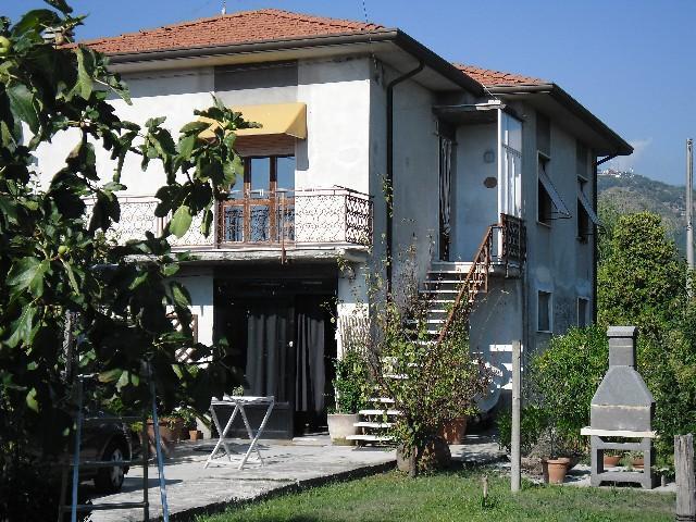 Case - Casa indipendente con terreno