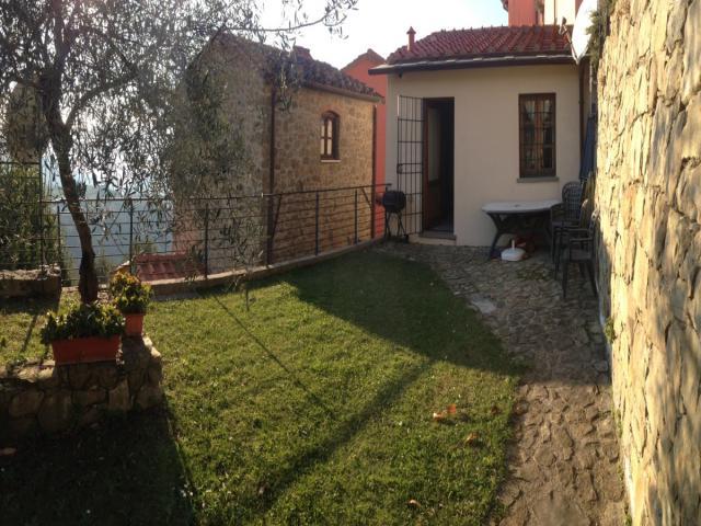 Case - Casa indipendente con giardino
