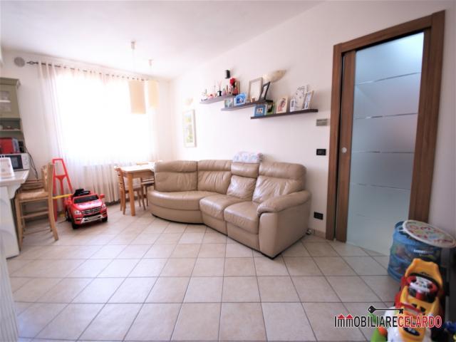 Case - L742 appartamento in zona servita