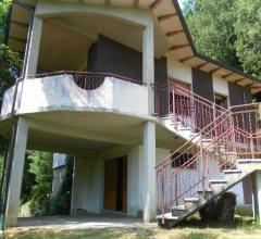 Villa sulle prime colline di carrara