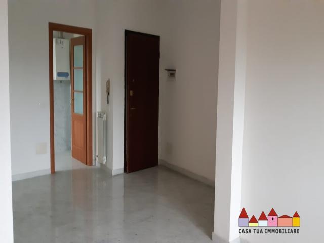 Case - Rosignano solvay - appartamento con terrazza e cantina