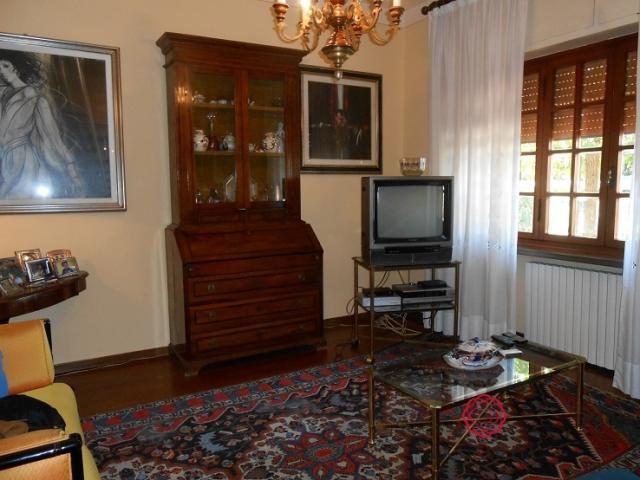 Case - Villa in vendita nella zona di segromigno, lucca