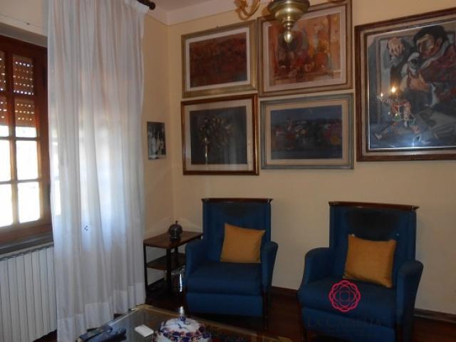 Case - Pietrasanta fondo artigianale di 240 mq in affitto - ideale galleria d'arte