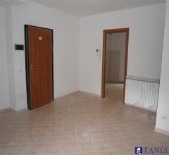 Case - Appartamenti pari al nuovo in zona comoda e centrale a carrara rif 3244