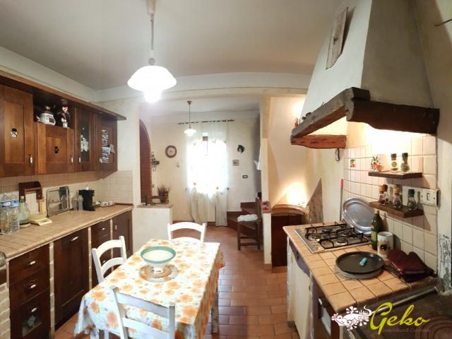 Case - Appartamento con giardino e garage