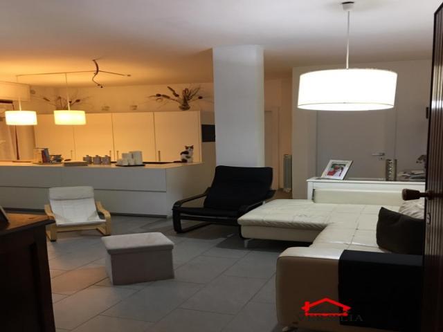 Case - Ronchi, appartamento ristrutturato finemente a 250 metri dal mare