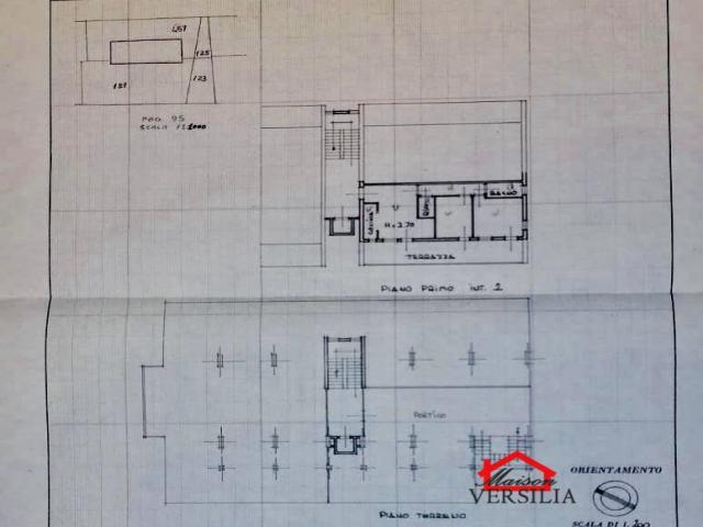 Case - Appartamento trilocale con grande terrazza a massa, via marina vecchia, in zona comoda e servita