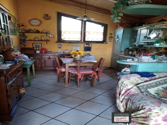 Case - Primo piano indipendente con giardino