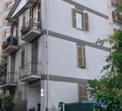 Appartamento su 2 livelli con terrazzo