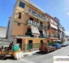 Castellana/da vinci: appartamento i° piano