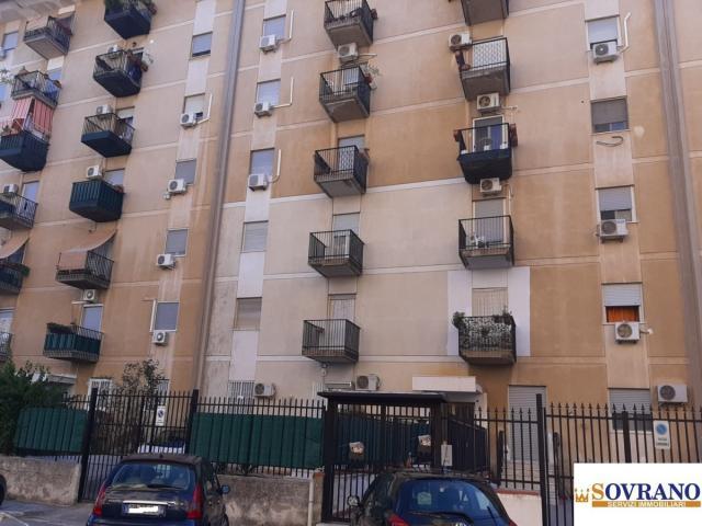 Case - Castellana/l. da vinci: trivani primo piano