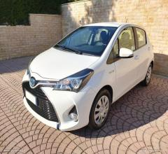 Toyota yaris 1.5 hybrid 5p. cool
