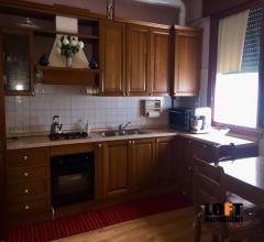 Abano terme zona san lorenzo vendesi appartamento con 2 camere al piano terra