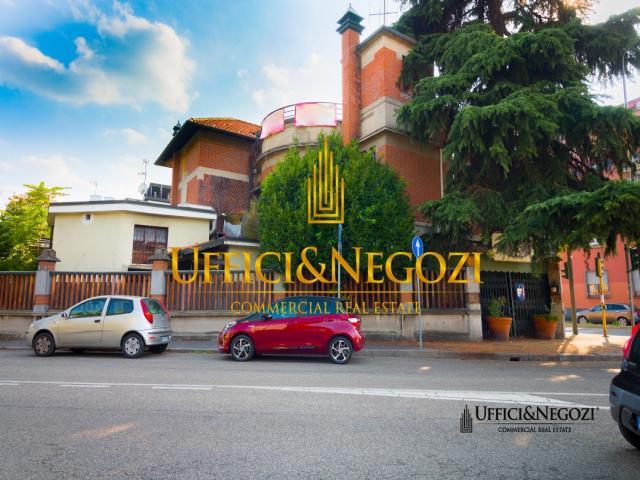 Case - Palazzina in vendita con ristorante