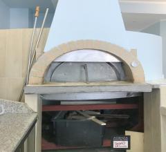 Vendita attività di pizzeria-ristorante in darsena