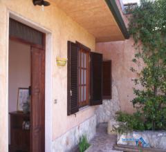 Villa singola mq 200., con giardino.