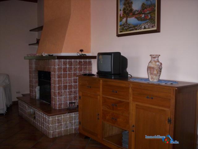 Case - Villa singola mq 200., con giardino.