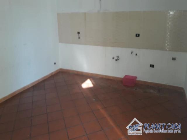 Case - Appartamento in vendita a casalnuovo centro, corso umberto, con posto auto