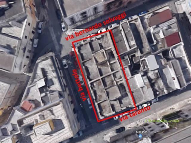 Case - 420mq terreno edificabile in centro