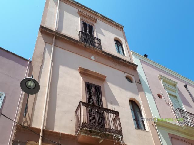 Case - Appartamento semi-indipendente con area solare