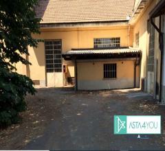 Compendio immobiliare - sito in angolo tra via pasubio e via cadorna/via pasubio n. 36 - 20037 pader