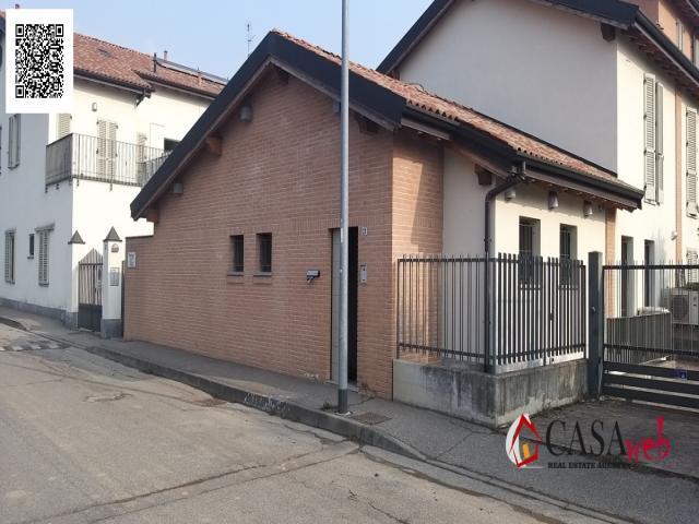 Case - Casa indipendente di testa con area esterna e doppia entrata