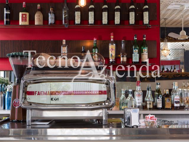 Case - Tecnoazienda - immobile commerciale ristorante con appartamento