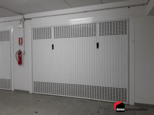 Case - Zanè: vendesi box auto di varia metratura