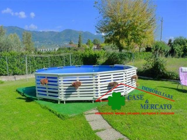Case - Bellissima semi-indipendente con ampio giardino