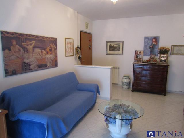 Case - Appartamento avenza centralissimo rif 3437