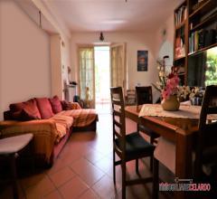 Appartamento piano terra con ampio resede